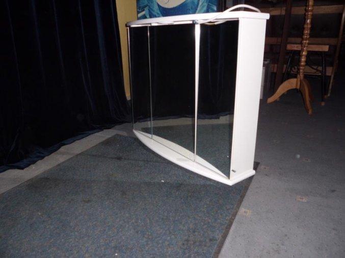 Koupelnová skříňka s osvětlením (Galérka)